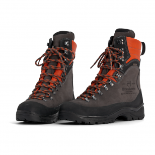Apsauginiai auliniai odiniai batai su apsauga nuo pjūklo